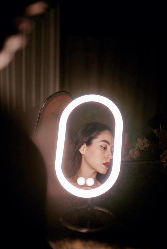 So wählen Sie Spiegellichter für Make-up