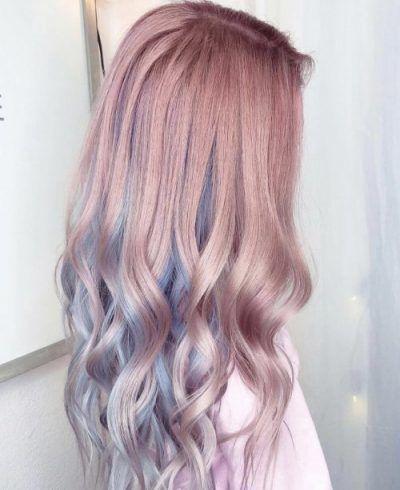 Rosa und blaue Pastellhaarfarbe