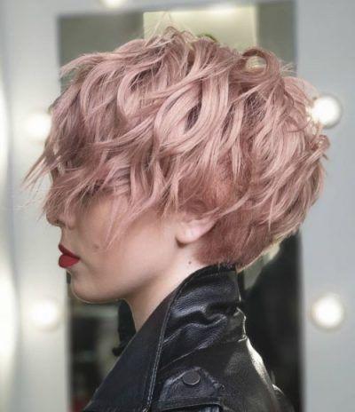 Kurzer Shag-Haarschnitt