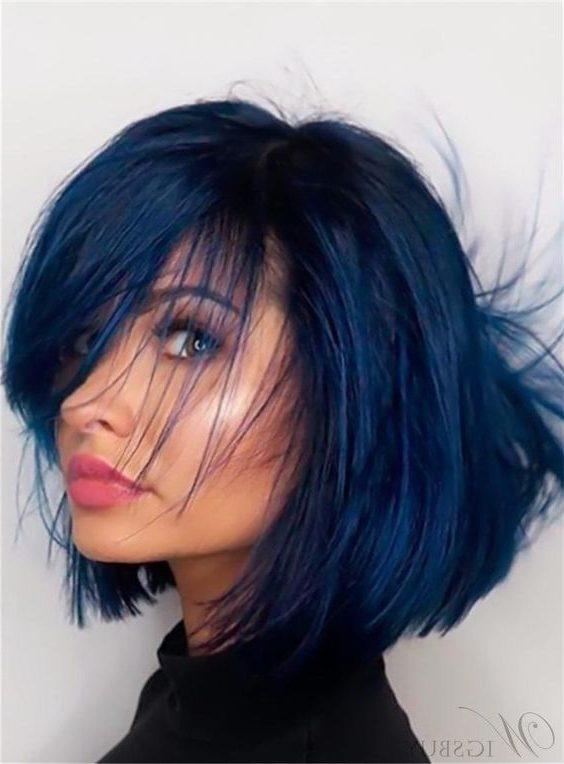 dunkelblaues und schwarzes kurzes Haar