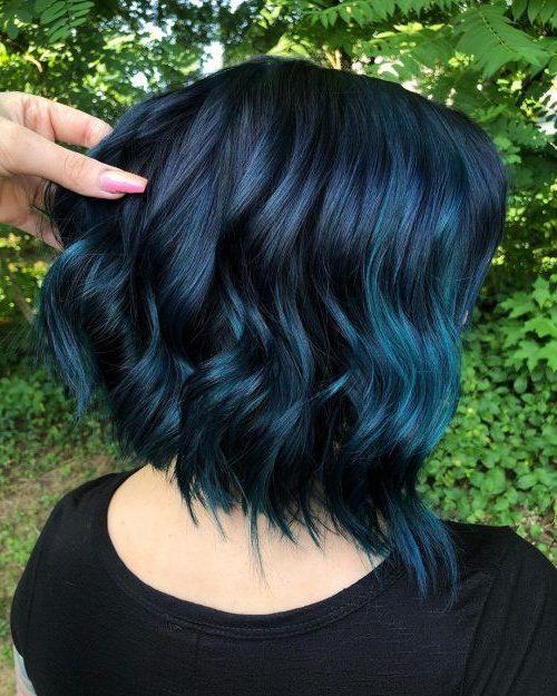 dunkelblaues Haar