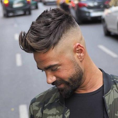 Mariner und maskuliner Haarschnitt