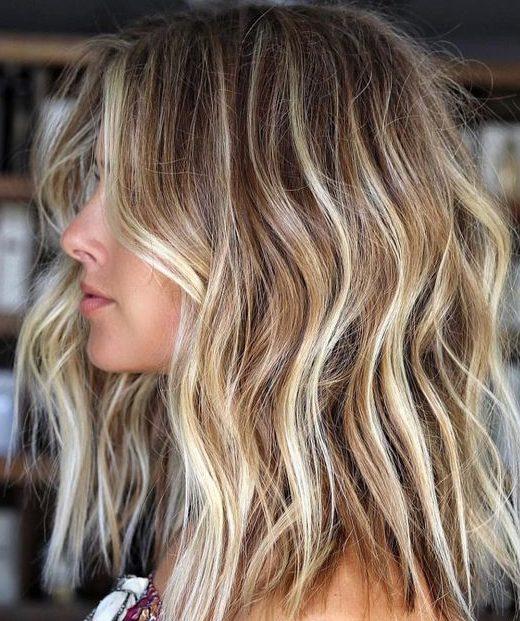 Cali Blonde für kurzes welliges Haar