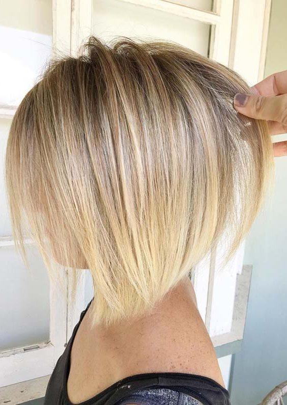Sommerblonde Haarfarben glattes Haar