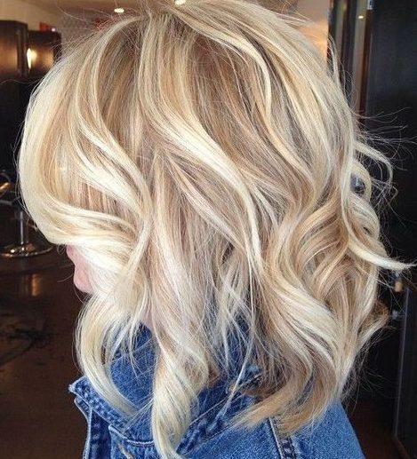 Helle Hautblonde Haarfarben für kurzes Haar