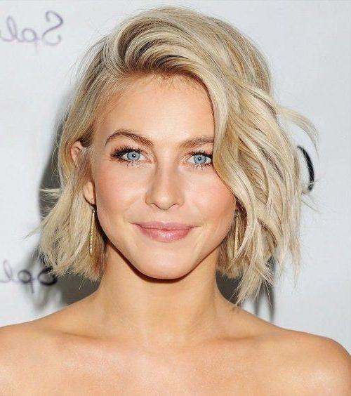 süße mittlere Haarschnitte