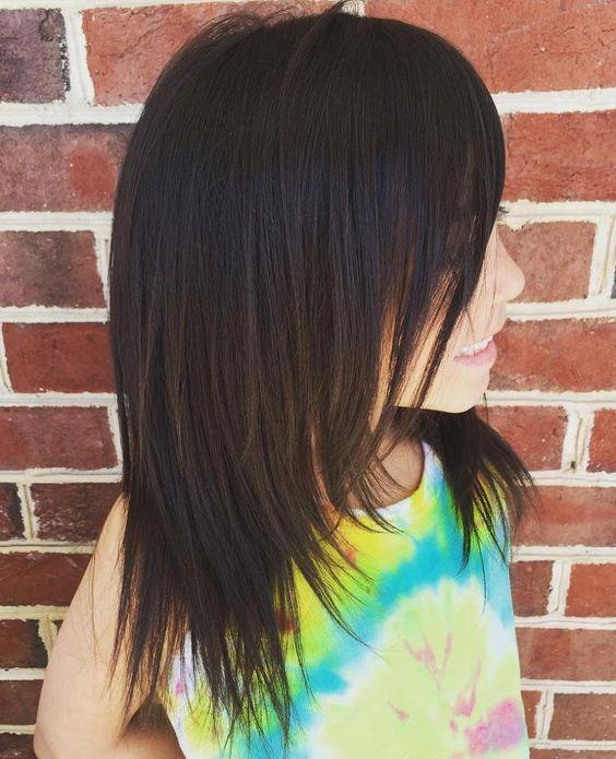 mittellanger Haarschnitt für Mädchen