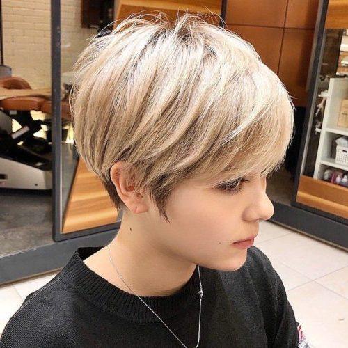 sehr kurze Pixie-Frisuren