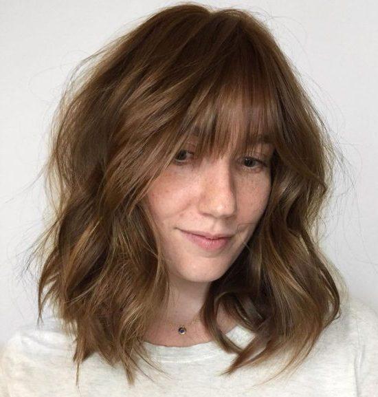 geschichteter Lob-Haarschnitt