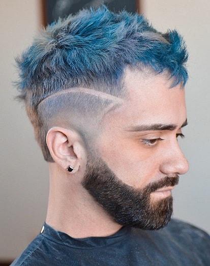 Hinzufügen eines Elements zur Frisur nur mit der Spitze