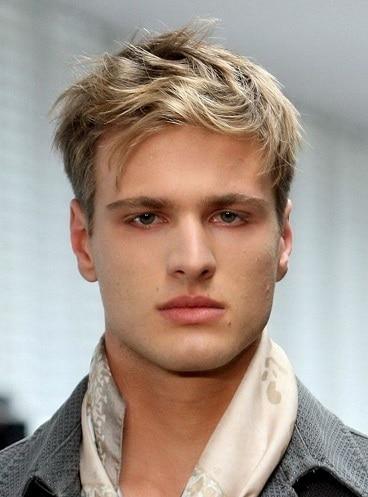 Die hellbraune coole Frisur für Männer
