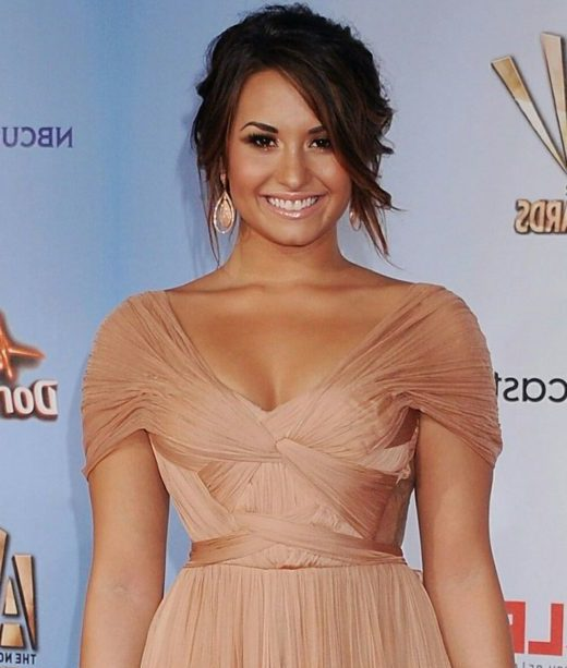 Bob Demi Lovato kurzes Haar