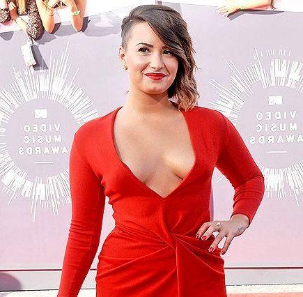 Demi Lovato kurzes Haar 2020