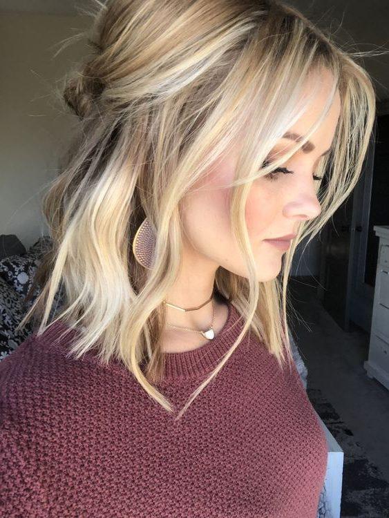 schulterlanges kurzes Haar