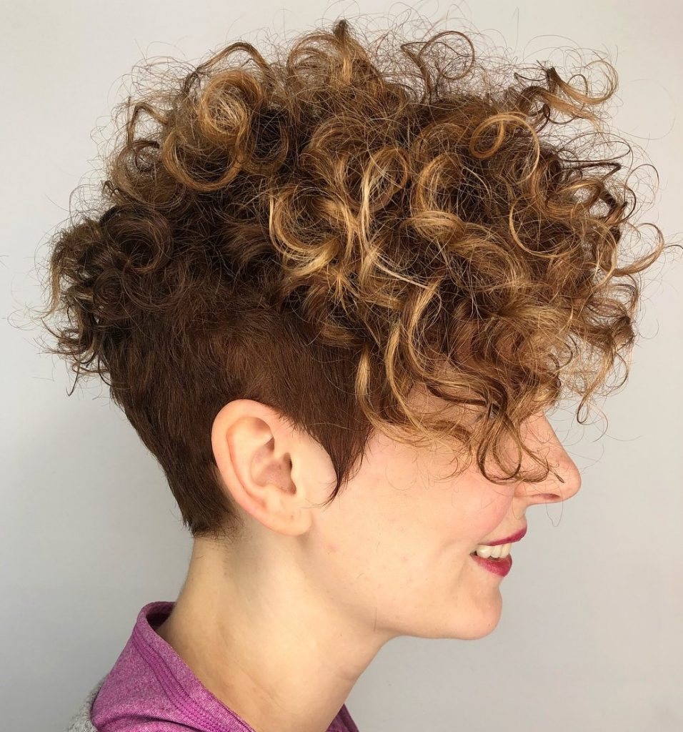 Lockige Pixie-Haarschnitte 2021-2022