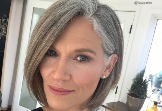pflegeleichte Frisuren für 50-jährige Frau