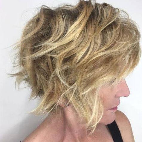 Mittelschichtige Bob-Frisuren für über 50