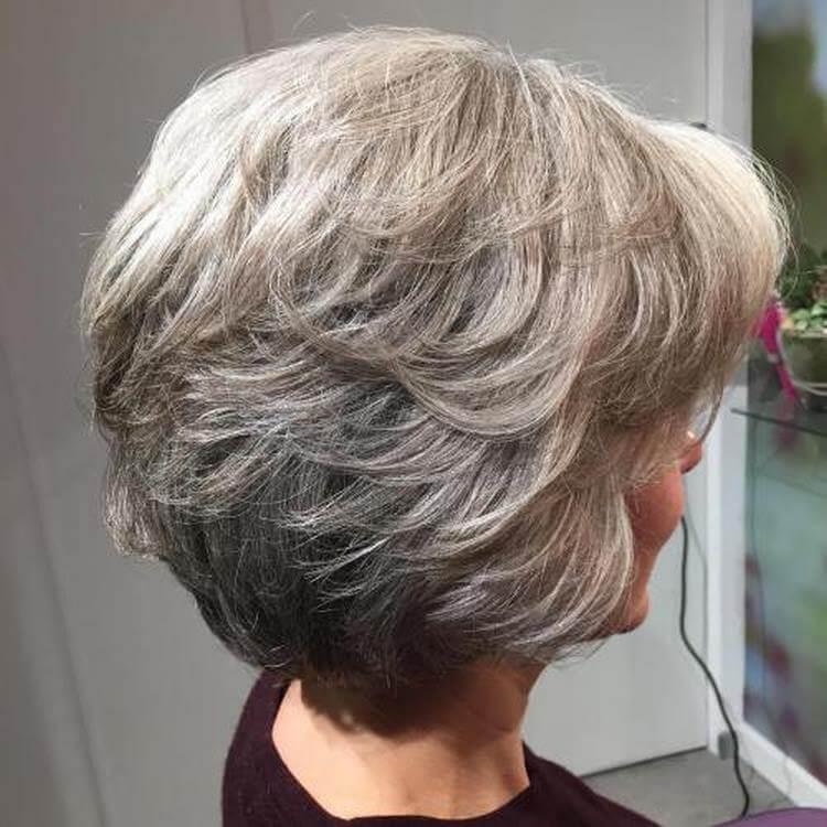 Kurze Bob-Haarschnitte für Frauen über 60 in 2021-2022