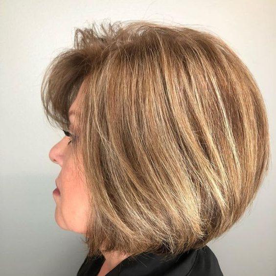 Frisuren für über 50 und Übergewicht