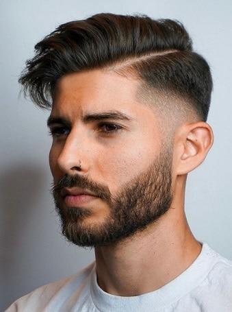 Seitenteil geformte und sexy Frisur