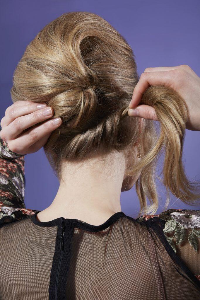 Pin Up alle verbleibenden Haare