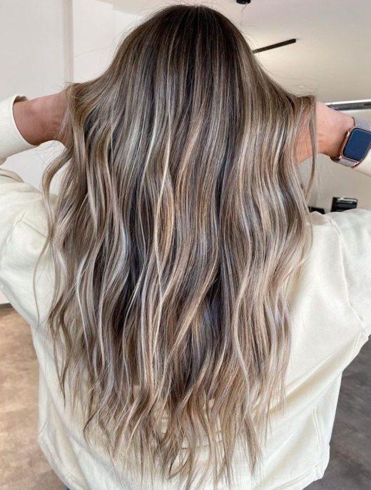 dunkelblondes Haar
