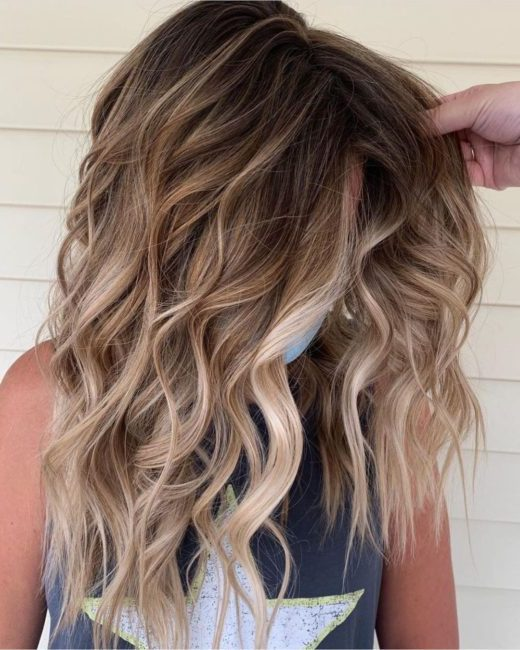 leicht braunes Haar