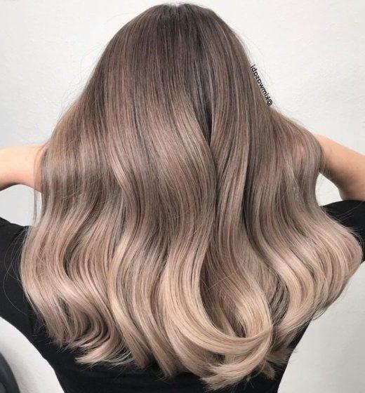 hellblondes Haar