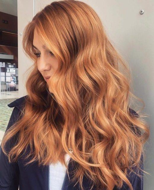 natürliches kupferfarbenes Haar