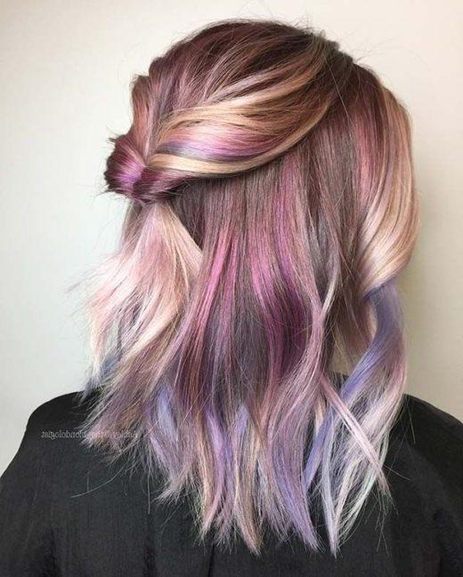 kurze dunkelviolette Haarästhetik
