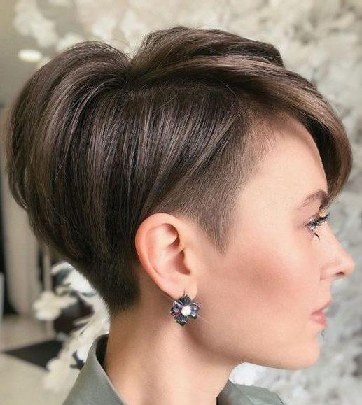 Unterschnittener Pixie-Haarschnitt