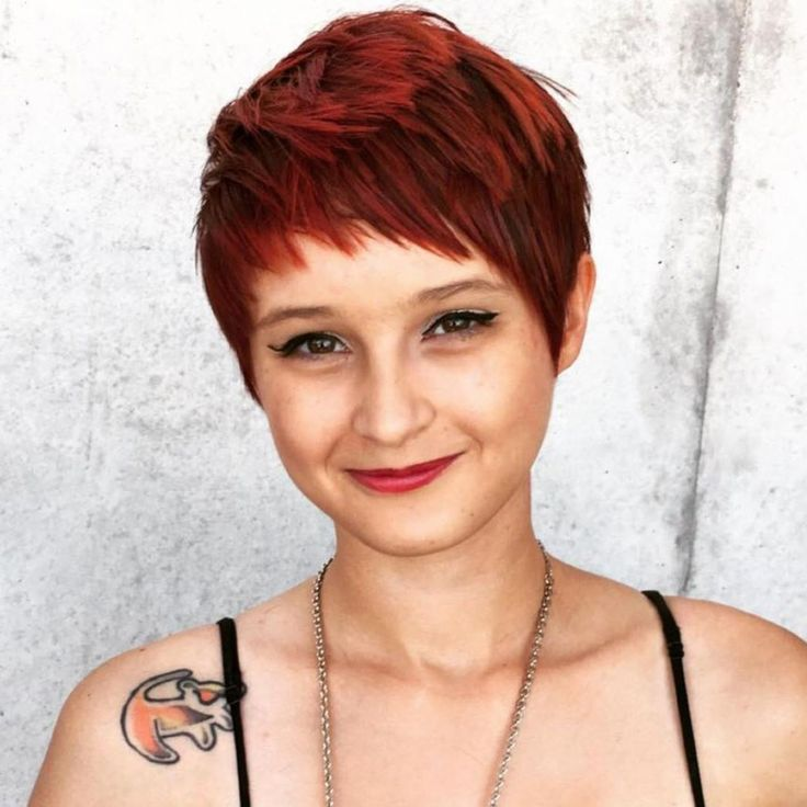 Pixie-Frisuren für Frauen mit rundem Gesicht in den Jahren 2021-2022