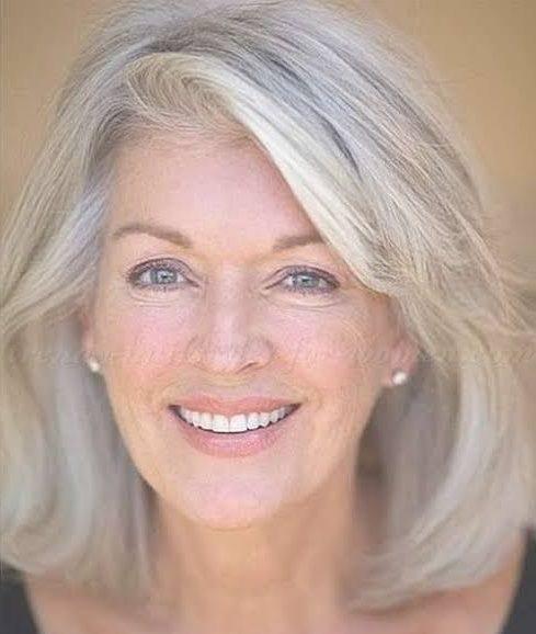 Pflegeleichte Frisuren für 60-jährige Frau mit feinem Haar