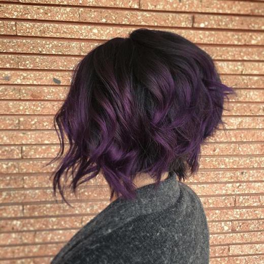 ästhetischer Grunge ästhetisches kurzes lila Haar
