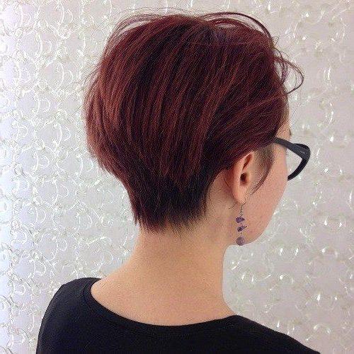 pflegeleichte kurze Keilfrisuren für feines Haar