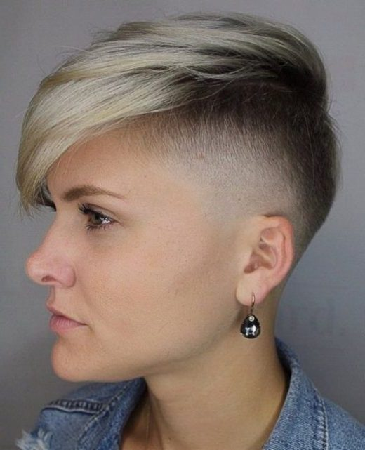 Taper Girl verblasst Haarschnitt