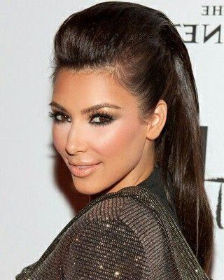 weibliches kurzes glattes Haar