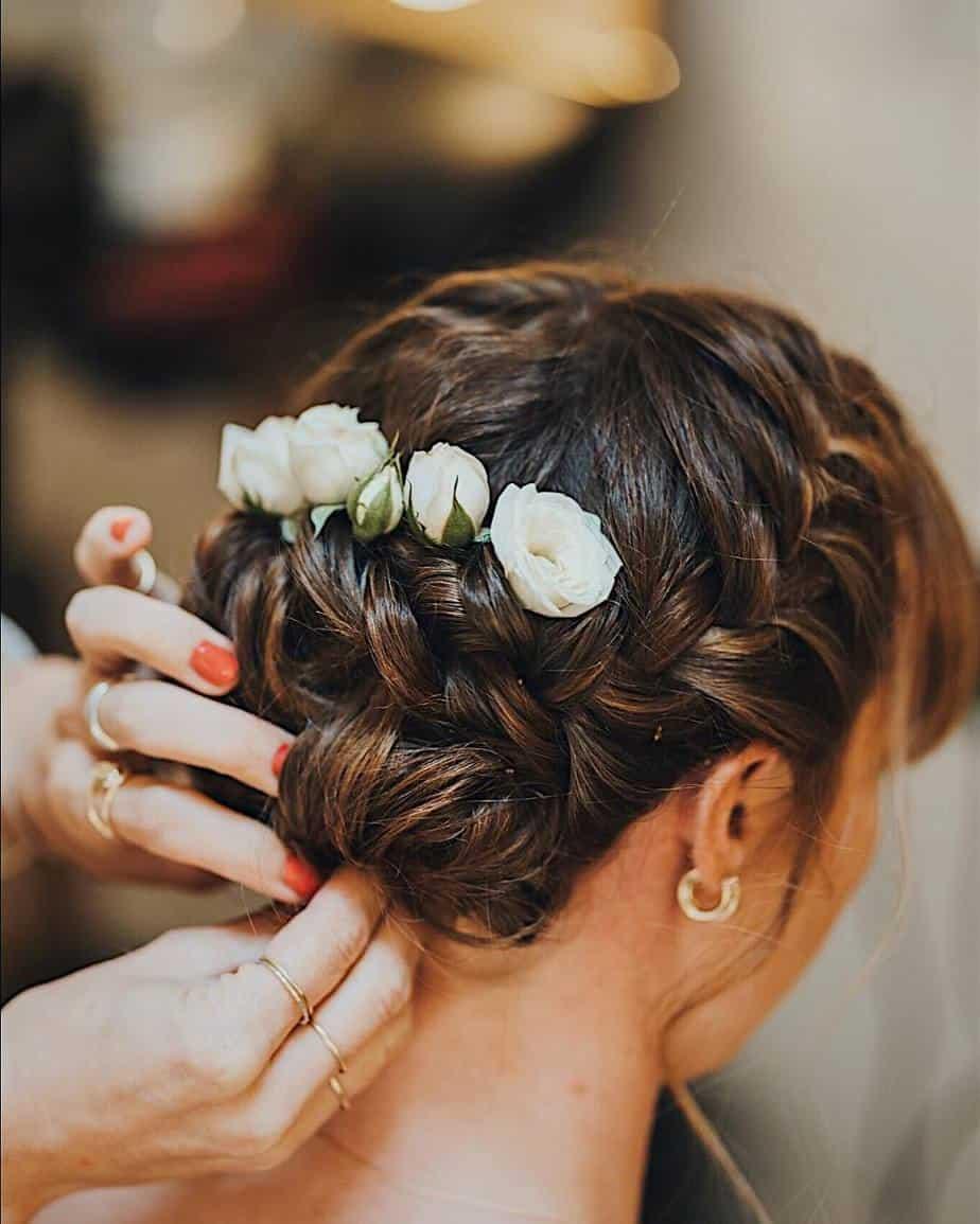 Hochzeitsfrisuren 2022: Die besten Fotos und Tipps vom Laufsteg