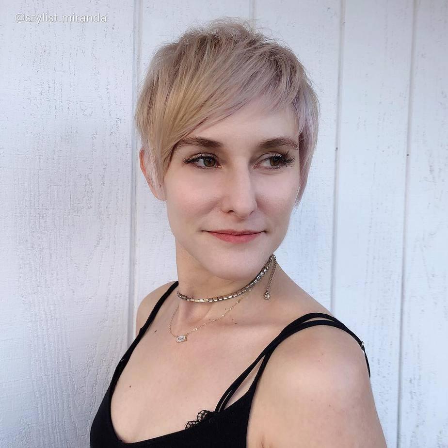 Pixie coole Haarschnitte für Frauen 2022