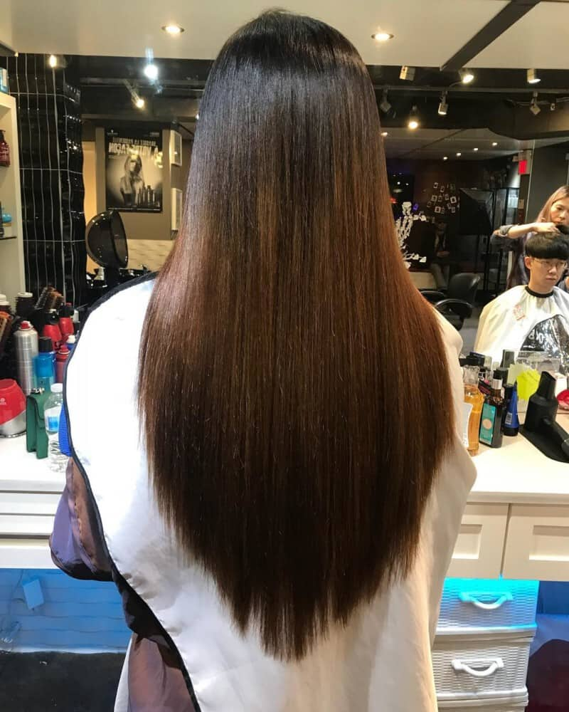 Abgewinkelte lange Frisuren für Frauen 2022