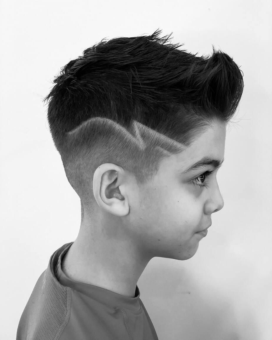 coole-haarschnitte-für-jungen-2022