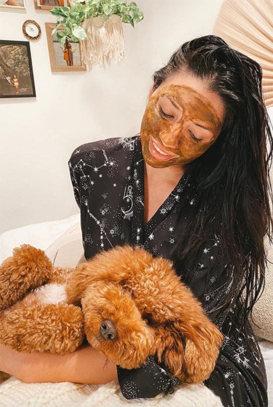 Wie man Kurkuma für die Haut verwendet