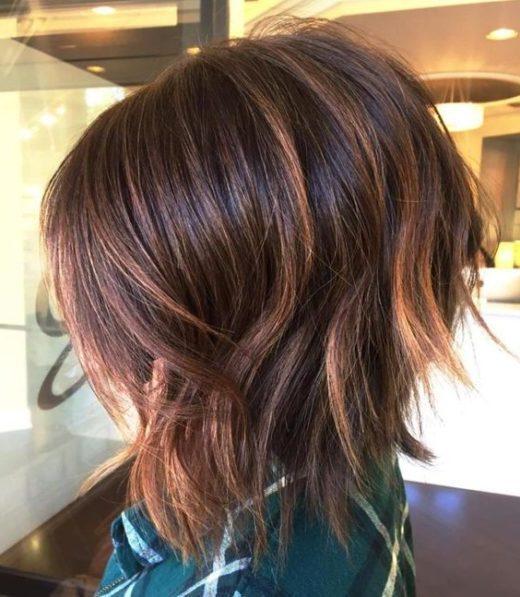 kantige kurze abgehackte Haarschnitte