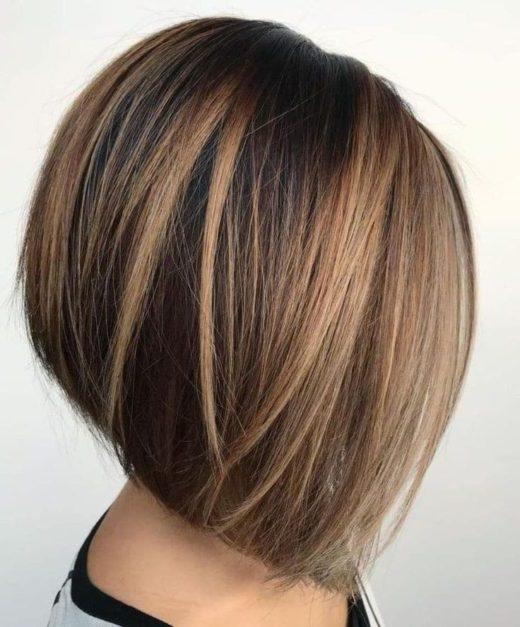 pflegeleichte geschichtete Kurzhaarfrisuren für dickes Haar
