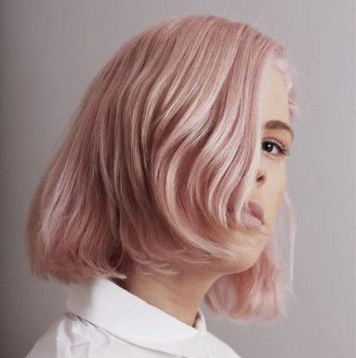 ombre pastellrosa lockiges haar
