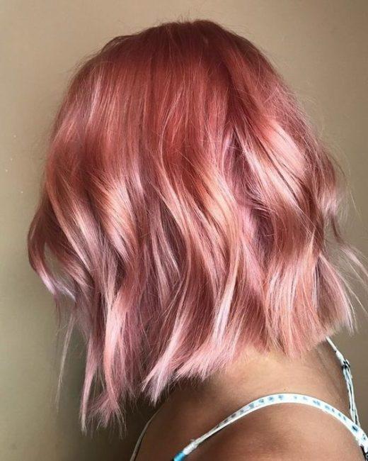 ombre rosa lockiges haar